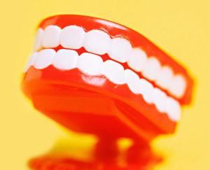 160405-burn-teeth-whitening-tease_fgjcpo